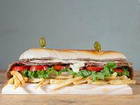 Sándwich Super mila con papas fritas