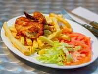 Milanesa de pollo + agregado + ensalada de lechuga y tomate
