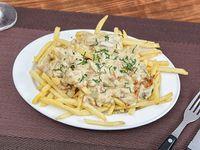 Papas fritas con salsa champignones
