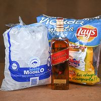 Whisky Jhonnie Rojo L + Picada Lays + Hielo Bolsa 3 Kg