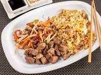 Wok de lomo, arroz salteado y lomo