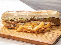 Sándwich de milanesa gigante súper