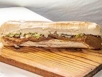 Sándwich de milanesa gigante
