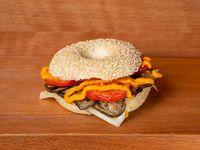 Sándwich bagel de berenjenas grilladas