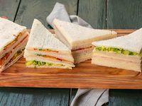 Promo 1 - 24 sándwiches triples de miga de jamón y queso  o surtidos clásicos