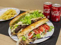 Promo - 2 sándwiches de bondiola a elección + papas fritas + 2 bebidas Coca Cola 220 ml