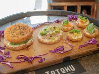 Combo Totoku 1 - Sushi burger Pikachu + susheta fuji + 4 mini sushetas Kioto