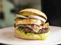 Suprem Burger + Papas a la francesa + Gaseosa 250 ml