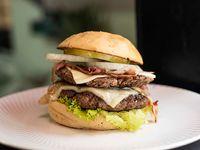 Bacon Burger Doble Carne + Papa Francesa + Gaseosa 250 ml