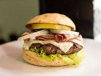 Bacon Burger + Papas a la Francesa + Gaseosa 250 ml