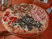 Pizza cuatro estaciones familiar (38 cm)