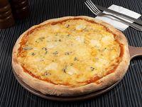 Pizza quatro formaggi individual