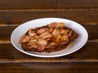 Arepa con Carne y Tocineta