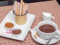 Churros con chocolate caliente (6 unidades)