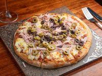 Pizzeta muzzarella con dos gustos