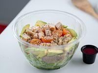 Ensalada de pollo, quinoa y palta