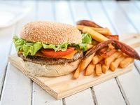 Hamburguesa simple con papas fritas