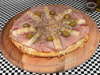 Pizza mediana 32 cm con palmitos y jamón