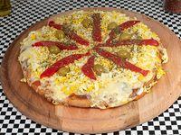 Pizza mediana 32 cm con muzzarella, huevo y morrón