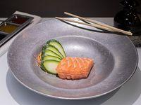 Sashimi de salmón (5 unidades)