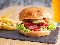 Burger Selina con papas rústicas