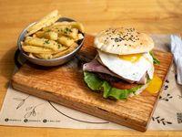 Burger porteña con fritas