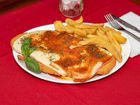 Suprema de pollo a la napolitana