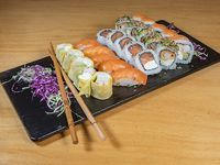 Tabla shrimp and salmon- 30 unidades