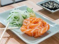 Sashimi salmón rosado (5 piezas)