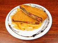 Cachopo asturiano con guarnición de papas fritas o papas noisettes