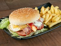 Combo - Hamburguesa de chuleta + Papas fritas + Soda en lata