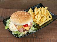 Combo - Hamburguesa de carne + Papas fritas + Soda en lata