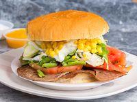Promo - Sándwich de churrasco o lomito con 4 ingrediente a elección (tamaño XL)