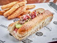 Hot dog Portland con papas fritas y salsa a elección