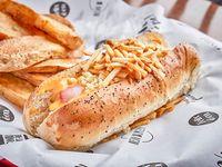 Hot dog California con papas fritas y salsa a elección