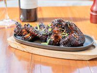 Asian hot wings -  Alitas de pollo  en salsa teriyaki semipicante