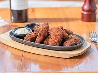 Chicken crunch - Tiritas de suprema rebosada + mayonesa de ajo + salsa BBQ