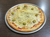 Pizza con muzzarella entera
