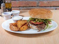 Sándwich de carne mechada + 3 ingredientes a elección