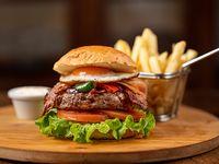 Cheesy burger con papas fritas