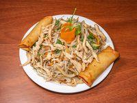 Menú mediodía 1 - Chop suey de pollo + 2 arrolladitos primavera + gaseosa línea Coca Cola de 220 ml