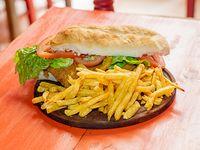 Promo 7 - Sándwich de milanesa o suprema + papas fritas