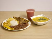 Almuerzo con Carne Asada de Cerdo