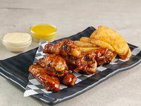Combo 1 - 7 wings + porción de papas + aderezo + salsa