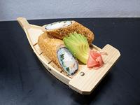 Hand roll furay con pollo teriyaki, queso y cebollín