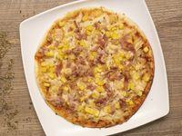 Pizza Pollo, Tocineta y Maiz