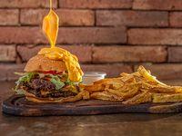 Hamburguesa Glotón con papas fritas