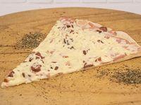 Porción de Pizza Tres Carnes