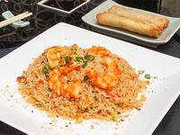 Wok con arroz y langostinos + 2 arrolladitos primavera de carne