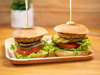 Burger Deluxe Con Guarnición